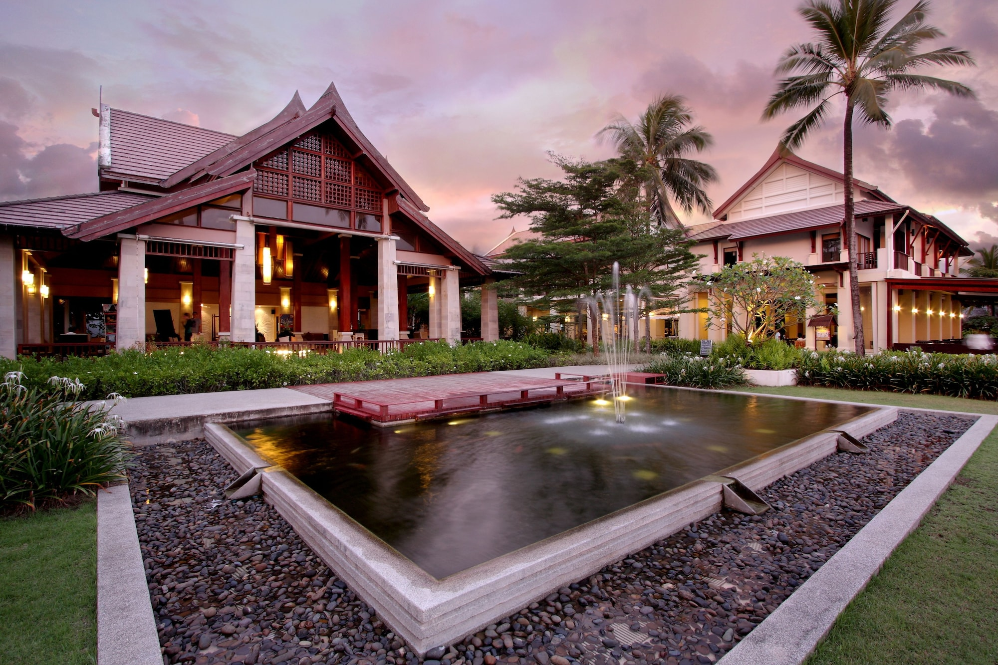 APSARA Beachfront Resort and Villa, Takua Pa