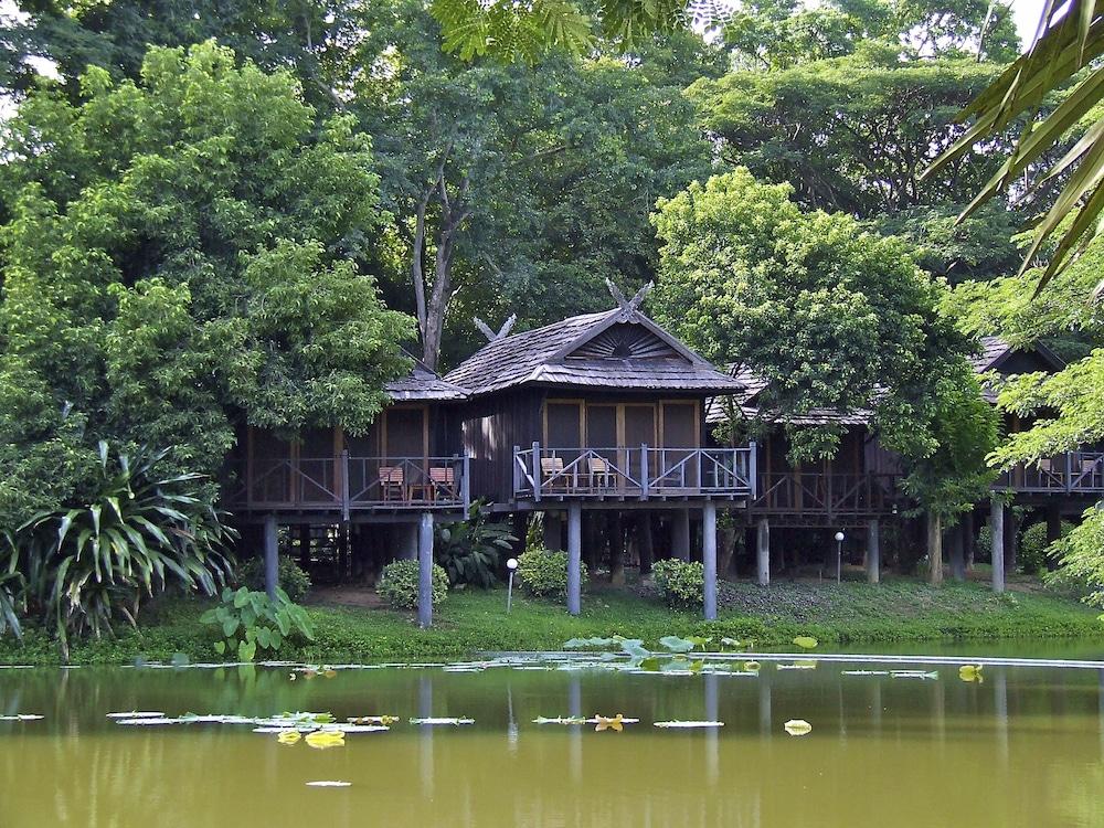 南邦河洛奇飯店