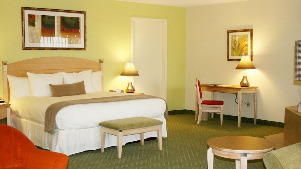 South beach casino hotel rooms turkey fling game 2