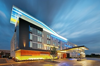 Hotel - Aloft Bolingbrook