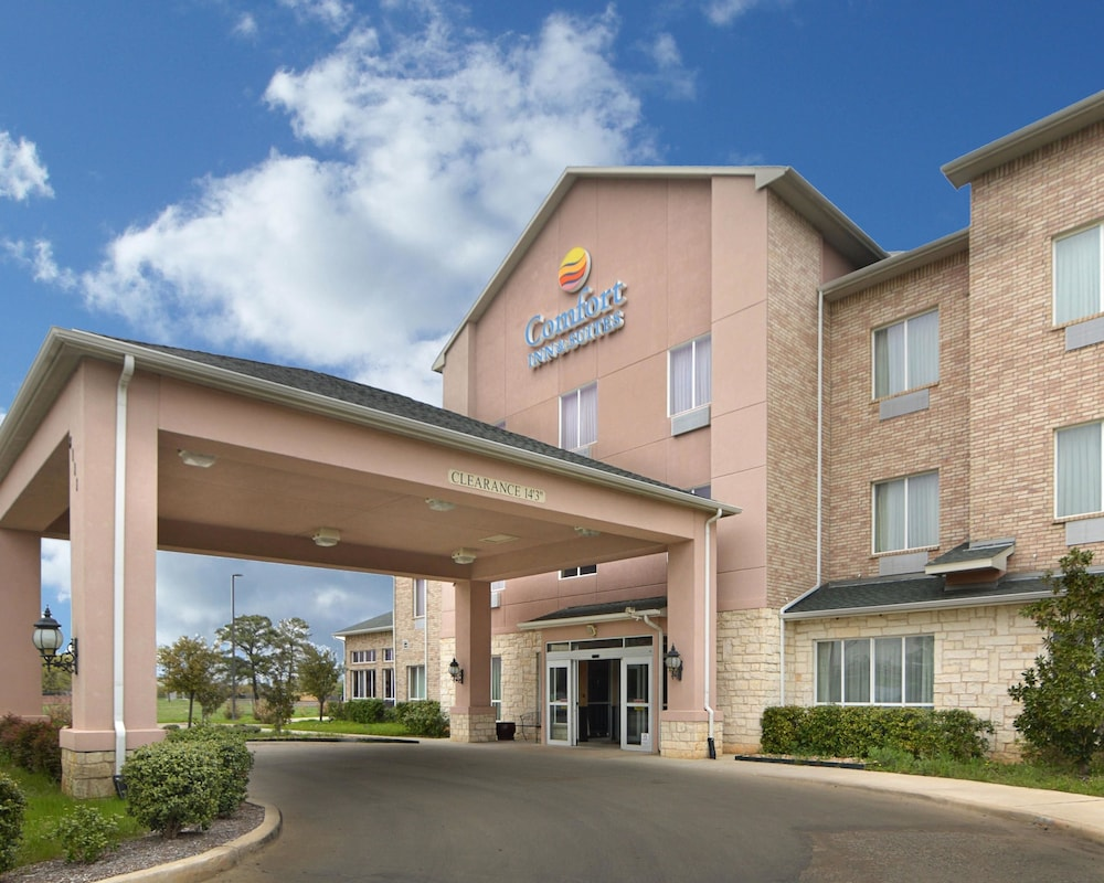 Comfort Inn Suites Near Lake Lewisville In Lake Dallas Tx Id90