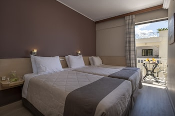 Twin Room with Extra Bed, Balcony with Acropolis View