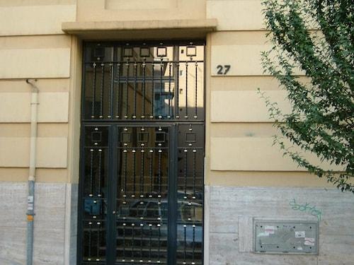 . Le Petit Apartments