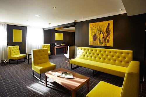 __{offers.Best_flights}__ Atrium Hotel
