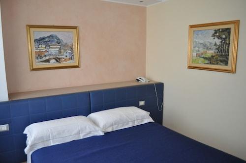 __{offers.Best_flights}__ Hotel Igea