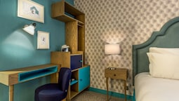 Standard Double Room (curieuse)