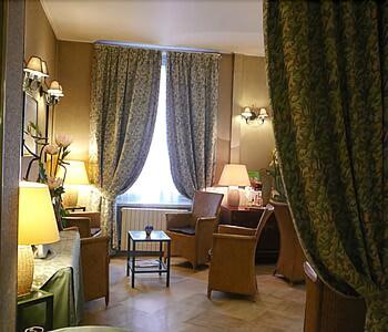 파크 호텔 파리(Parc Hotel Paris) Hotel Image 1 - Lobby Sitting Area
