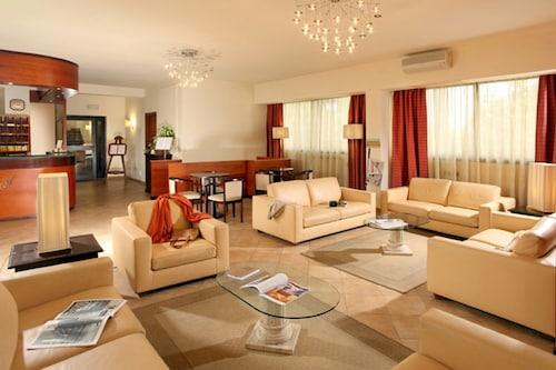 . Cassia Hotel