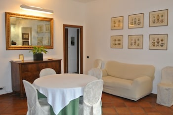 Hotel - The Pantheon Apartment
