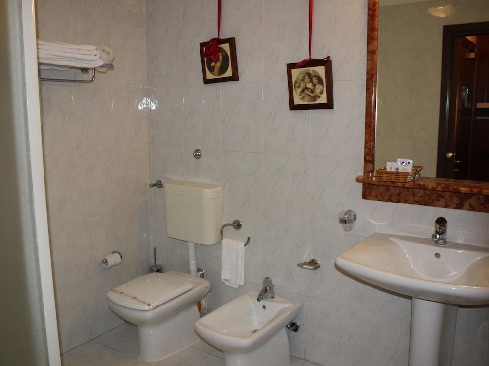 발리오 콘카 도로(Baglio Conca d'Oro) Hotel Image 26 - Bathroom
