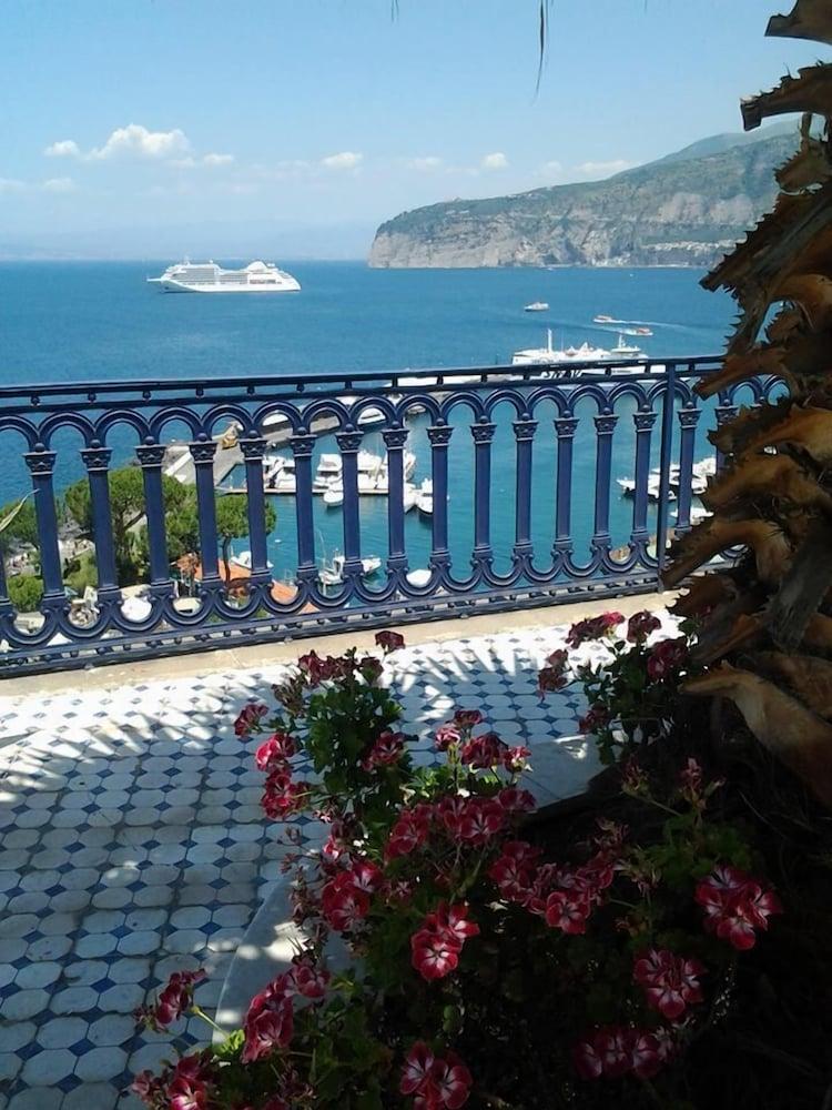 Villa La Terrazza | Sorrento | Qantas Hotels Australia