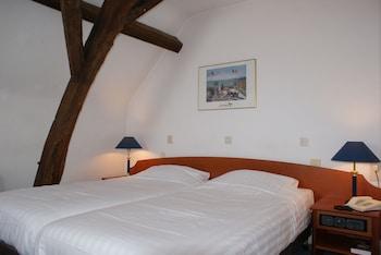 フレッチャー ホテル - レストラン ラ ヴィル ブランシュ