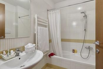 Residence Castello Belvedere - Bathroom  - #0