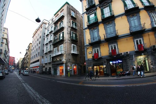 The Fresh, Napoli