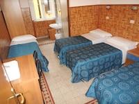 Quadruple Room, Private Bathroom
