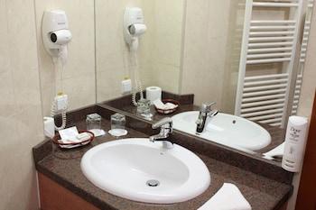 Hotel Duke - Bathroom  - #0