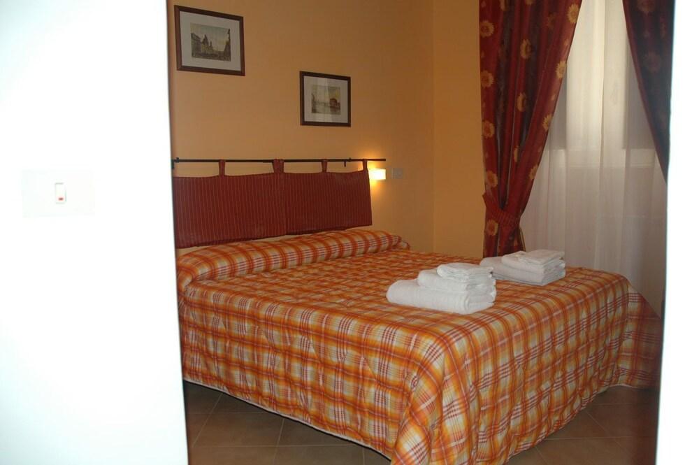 바티칸 B&B(Vatican Bed & Breakfast) Hotel Image 4 - Guestroom