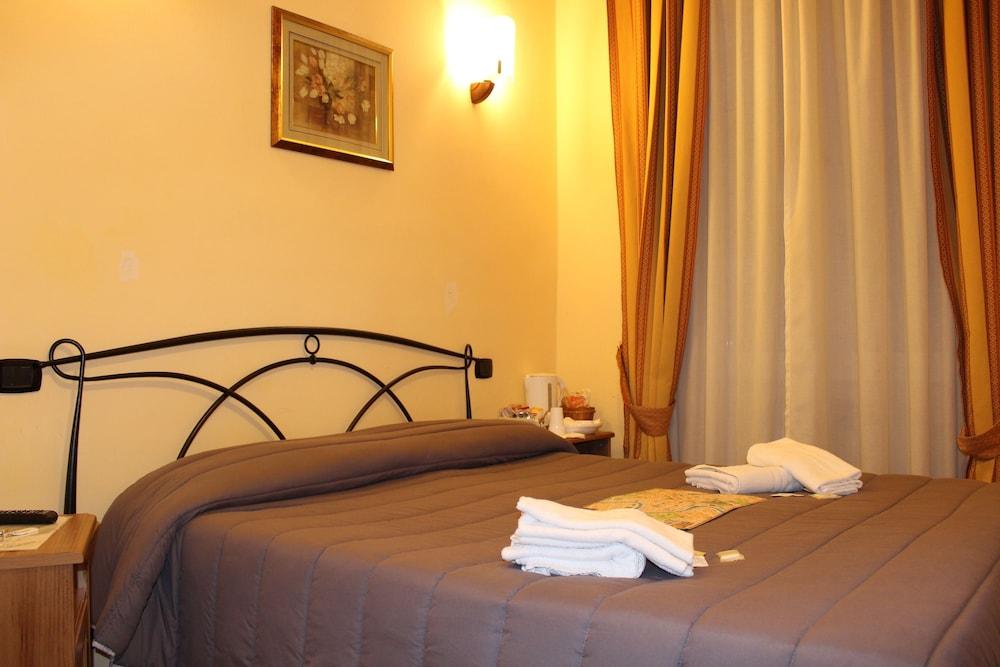 바티칸 B&B(Vatican Bed & Breakfast) Hotel Image 9 - Guestroom
