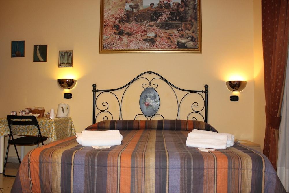 바티칸 B&B(Vatican Bed & Breakfast) Hotel Image 19 - Guestroom
