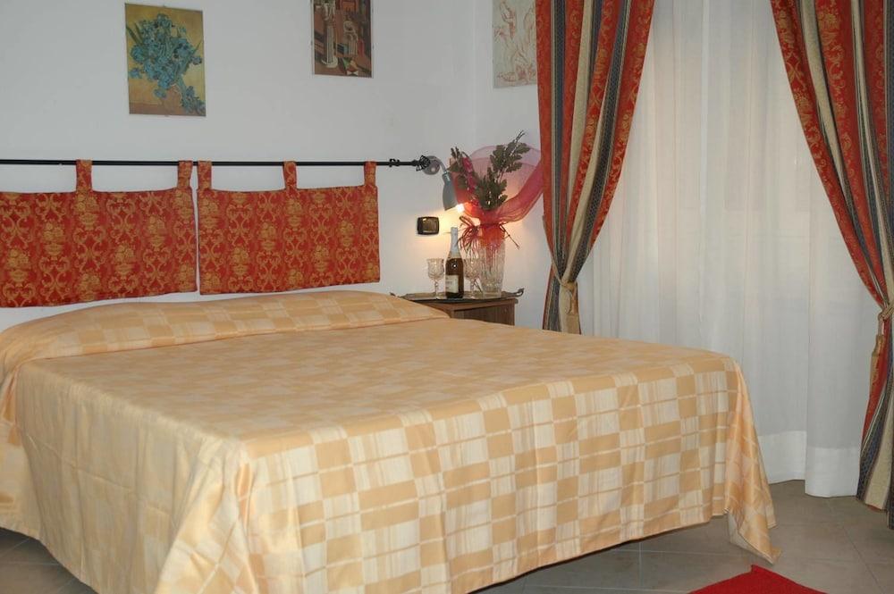 바티칸 B&B(Vatican Bed & Breakfast) Hotel Image 10 - Guestroom
