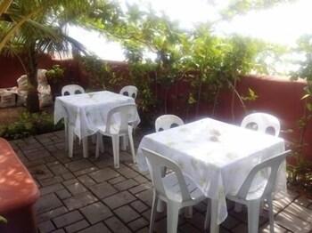 Dona Marta Boutique Hotel Hinunangan Outdoor Dining