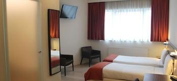 ホテル タオルミーナ ブリュッセル エアポート