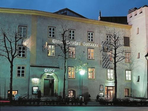 __{offers.Best_flights}__ Hotel Goldener Engl