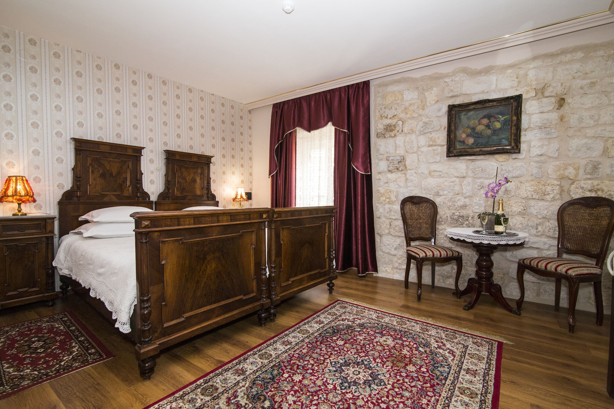 Hotel Pasike, Trogir