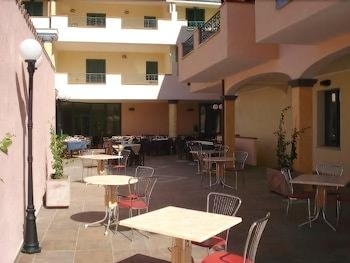 호텔 바이아 마리나(Hotel Baia Marina) Hotel Image 20 - Outdoor Dining