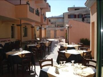 호텔 바이아 마리나(Hotel Baia Marina) Hotel Image 21 - Outdoor Dining