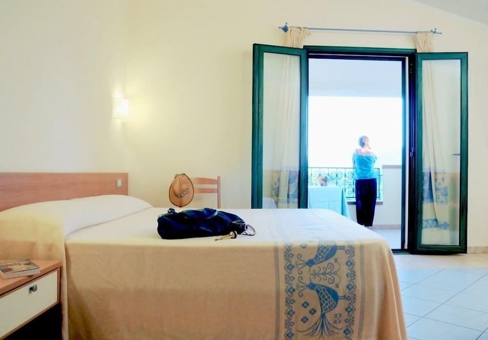 호텔 바이아 마리나(Hotel Baia Marina) Hotel Image 6 - Guestroom