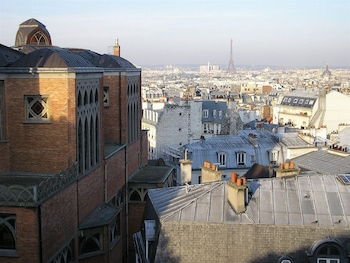 Deluxe Double, View of Eiffel Tower or Sacré Coeur