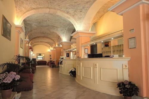 . Hotel 4 Mori