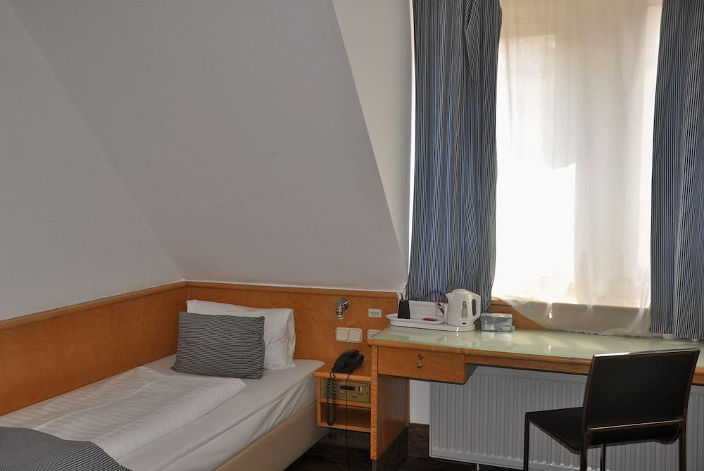 포 유 호스텔 & 호텔(The 4 You Hostel & Hotel) Hotel Image 8 - Guestroom