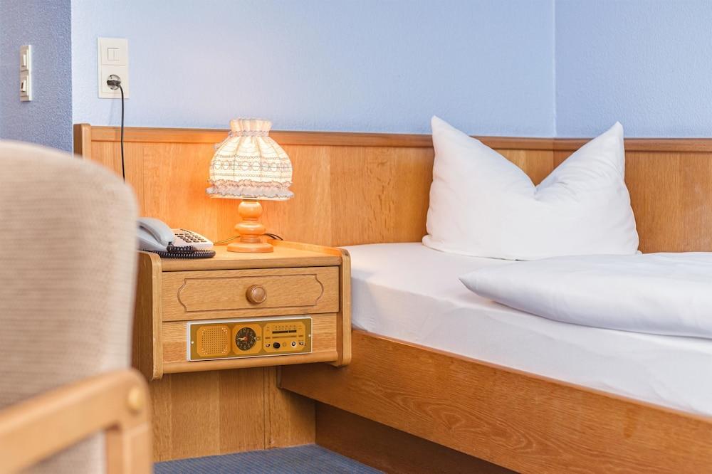 호텔 하노버 에어포트 바이 프리미어 클라세(Hotel Hannover Airport by Premiere Classe) Hotel Image 11 - Guestroom