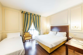 Classic Room, Multiple Beds, Non Smoking