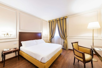 Classic Room, 1 Queen Bed, Non Smoking