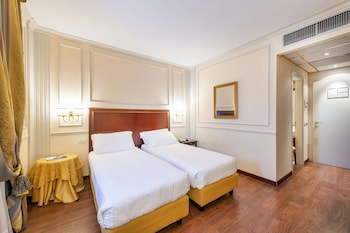 Family Suite, Multiple Beds, Non Smoking, Connecting Rooms