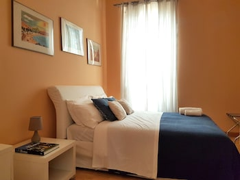 Basic Double Room, 1 Queen Bed, Ensuite