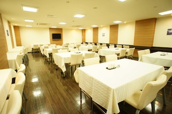 KOBE PLAZA HOTEL Breakfast Area
