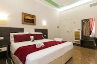 Executive Double Room, Ensuite, Annex Building