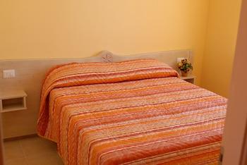 Comfort Apartment, 2 Bedrooms, Balcony, Garden Area