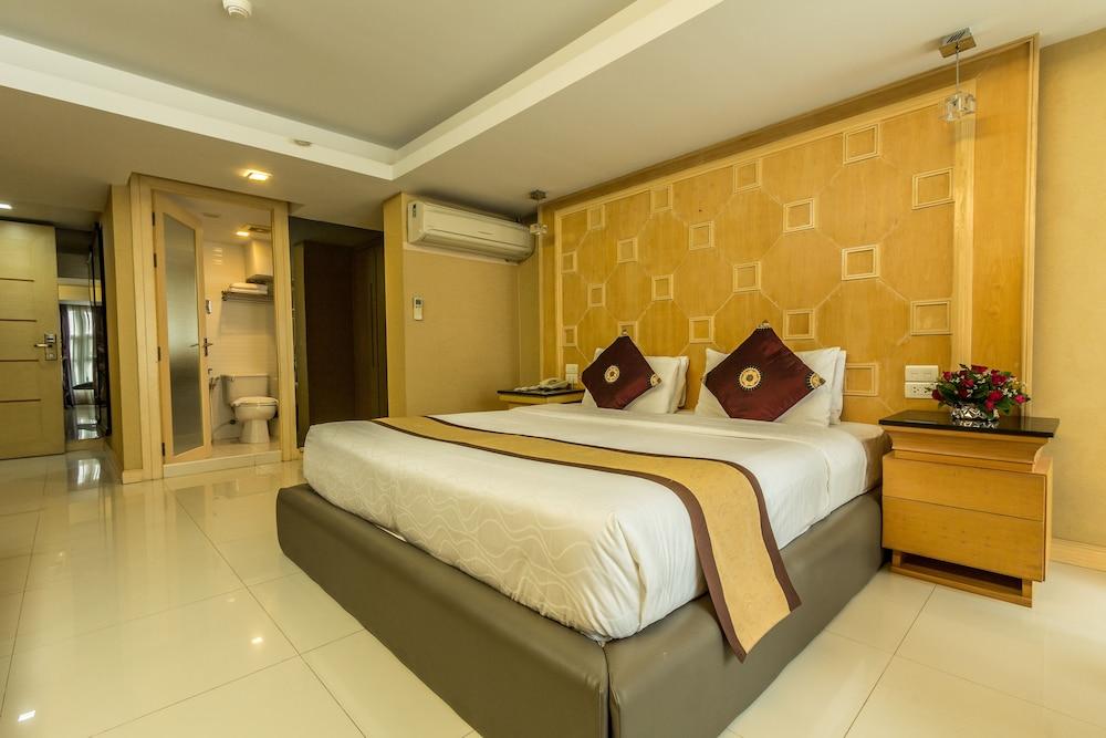 Smart Suites, Wattana