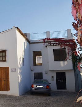 Independent House, 2 bedrooms, Kitchenette, Garden Area
