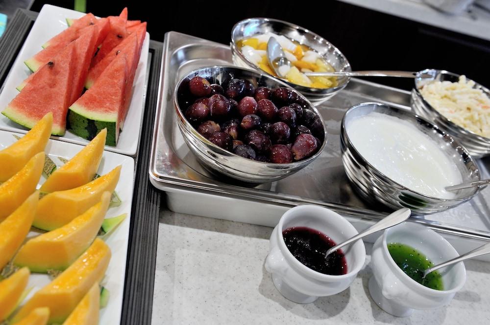 도미 인 소가 내추럴 핫 스프링(Dormy Inn Soga Natural Hot Spring) Hotel Image 24 - Food and Drink