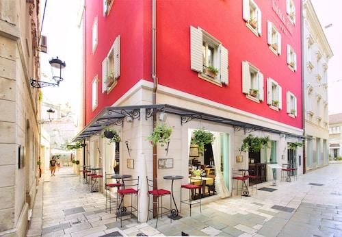 . Hotel Marmont Heritage