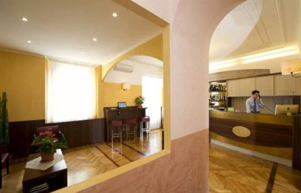 파니자(Panizza) Hotel Thumbnail Image 2 - Reception