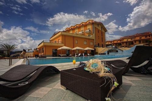 . Grand Hotel Paradiso