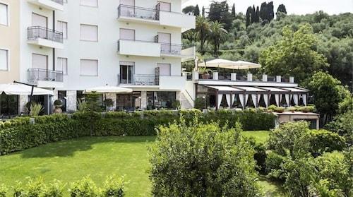 . Doria Park Hotel