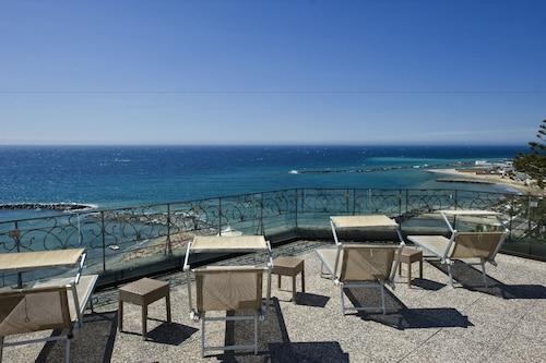 __{offers.Best_flights}__ Lolli Palace Hotel Sanremo